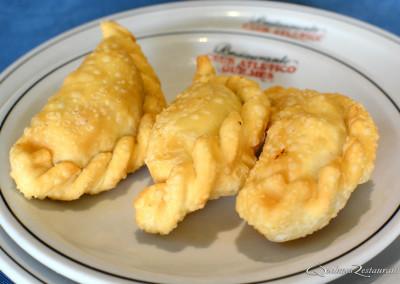 empanadas de carne frita